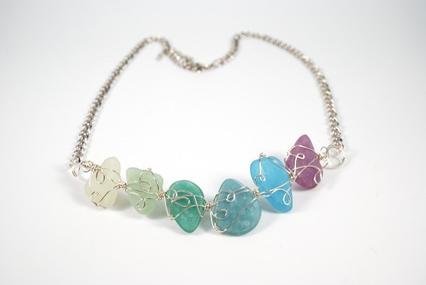 faux-sea-glass-bib-necklace-600x402